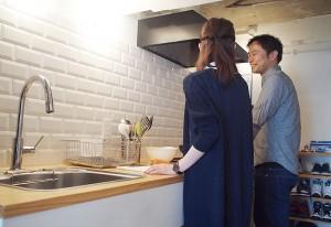 シンプルな壁付けキッチン