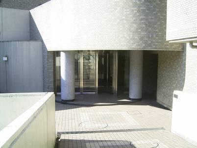 パーク・ハイム金沢文庫エントランス