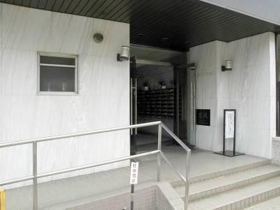 日商岩井上高田マンションエントランス