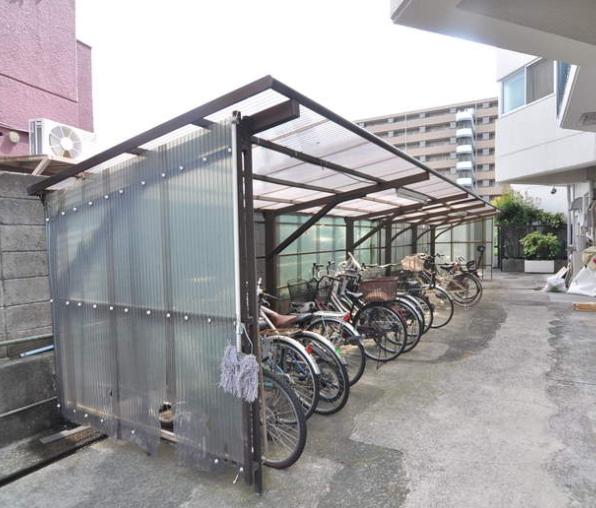 中銀大倉山マンシオン駐輪場