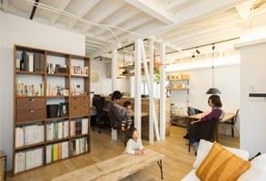 家族の成長と一緒に創っていく、戸建のカフェ風空間