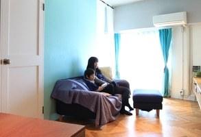 オリエンタルな雰囲気漂う、ティファニーブル―の家
