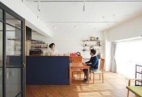 【リノベーション事例】斜め張りのフローリングが映える、陽だまりの家
