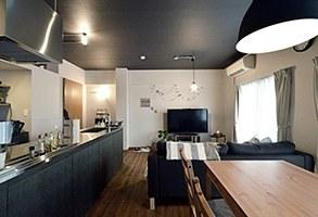 家の中にも遊び場を 生活を豊かにするロフト&階段スペース