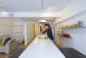 【リノベーション事例】らしさを凝縮した長いキッチン。