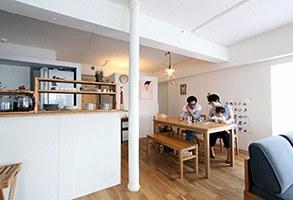 【リノベーション事例】素材によって空間が切り替わる、子供も楽しい1ルームのお部屋